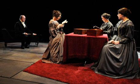 «We Are Three Sisters» pièce de théâtre de Blake Morrison, présentée au Georgian Theatre Royal,  Yorkshire.